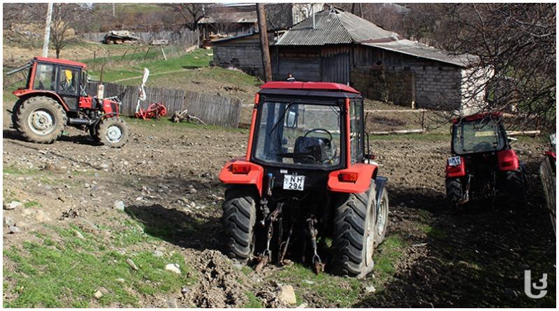 მესხეთში ფერმერებს ხვნა–თესვისთვის ტრაქტორები არ ჰყოფნით