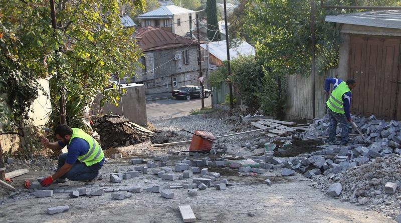ჩუღურეთის რაიონში აფხაზეთის ქუჩაზე ახალი ქვაფენილი მოეწყობა